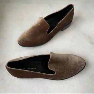 Marc Fisher velvet plush loafers taupe tan 8